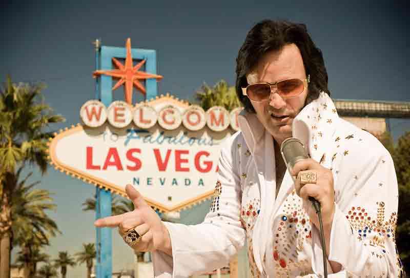 les mariages devant le panneau welcome to fabulous las vegas - Renouvellement Voeux Mariage Las Vegas