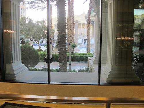 vue piscines Caesars Palace
