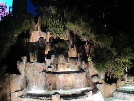 Cascade Wynn la nuit