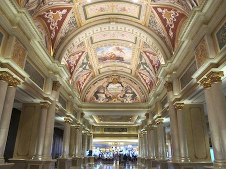 Venetian Couloir Magnifique