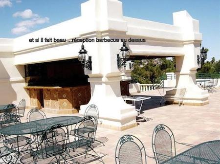 un autre bar et barbecue en terrasse