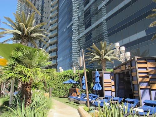 Cabanas Bamboo pool