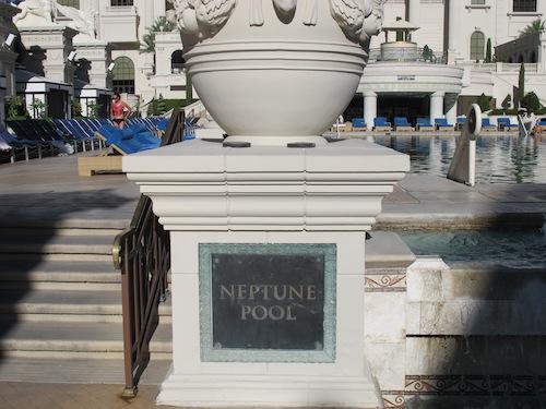 Neptune pool ecriteau