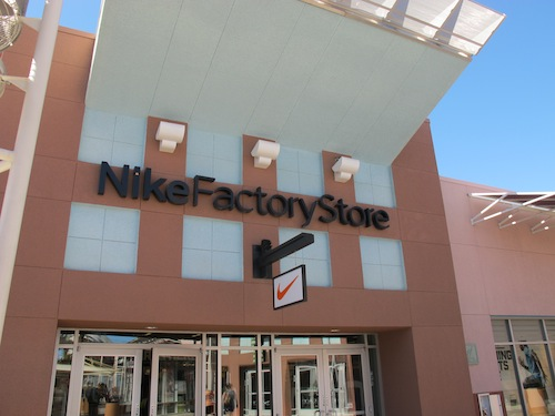 Visit Nike Las Vegas in Las Vegas, NV Phone Number: +1 () Nike Las Vegas Las Vegas, NV Welcome to Nike Las Vegas Store Locator Hide Filter Nike Factory Store - Las Vegas North miles away S Grand Central Pkwy., Las Vegas NV +1 ()