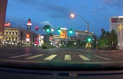 le strip en voiture la nuit