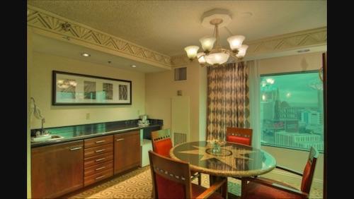 Suite NY NY