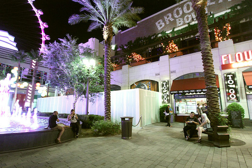 linq_promenade_update_11_in_n_out