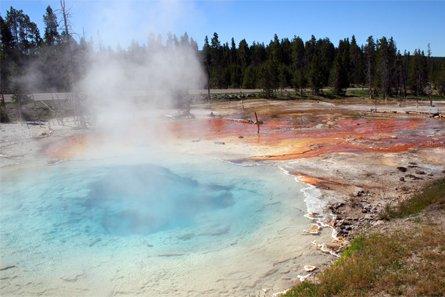 yellowstone-geysers-03